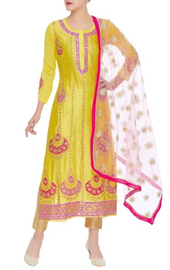 Bali embrodiered long kurta with dupatta