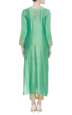 Resham embroidered kurta