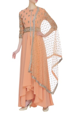 Neeta Lulla Embroidered kurta with pants and dupatta