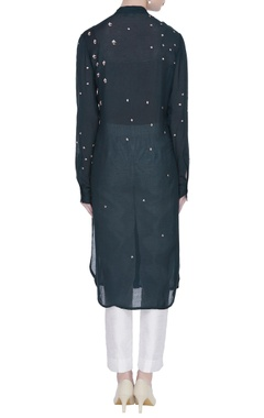 Embroidered kurta with applique work