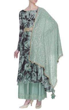Vikram Phadnis Tie & dye kurta with raw silk pants & dupatta