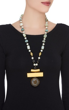 Onyx & pearl long necklace