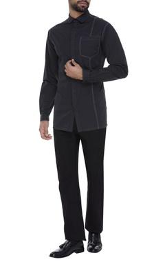 Black cotton shirt with topstitch details
