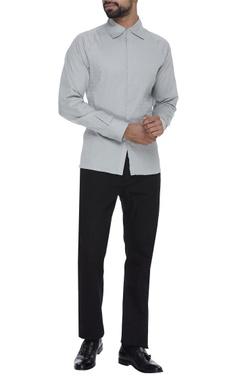 Cotton shirt with wavy stitch details