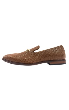 Handcrafted texture design loafers