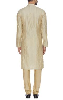 Straight textured kurta & churidar