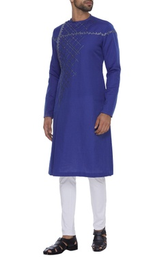 Dev R Nil - Men Relaxed fit embroidered kurta