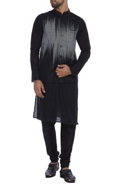 Dev R Nil - Men Sleeveless silk jacket