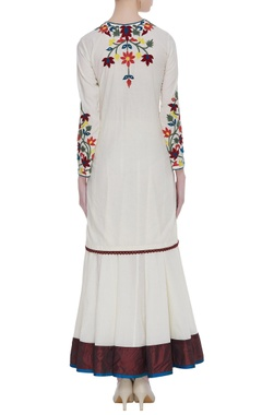 Floral embroidered kurta set