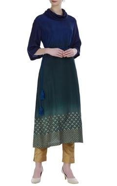Aditi Somani Shaded kurta with foil print and dori embroidery