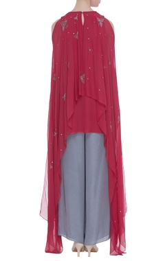 Flared sleeves cape tunic with inner