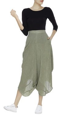 Crinkled cotton draped pants