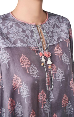 Wild forest block printed asymmetric kurta.