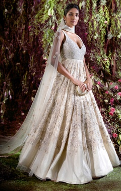 Shyamal & Bhumika Resham thread & sequin bridal gown with stole