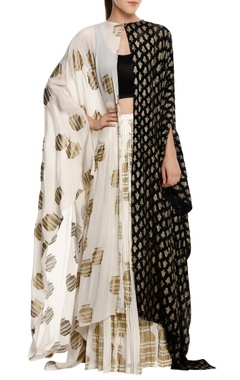Masaba Tribal vase printed cape set