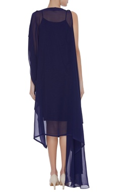 Crepe sleeveless dress with cape