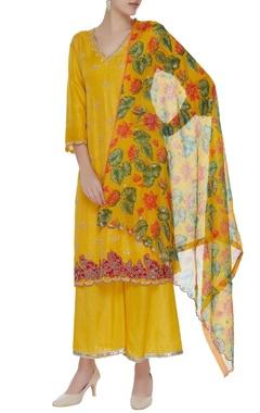 Aditi Somani Kashmiri embroidered kurta set
