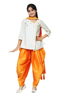 Chiquitita kids couture by Payal Bahl Gota patti embroidered kurta with dhoti pants