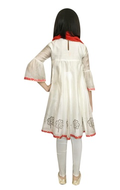 Chanderi embellished kurta with leggings & dupatta