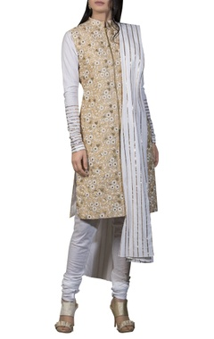 Siddhartha Tytler Embroidered straight fit kurta with dupatta and churidar