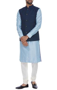 Linen nehru jacket with reversible zari brocade side