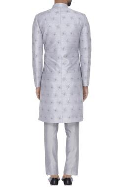 Zari embroidered kurta with pants
