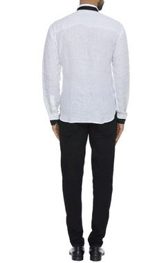 Organic linen shirt with cutaway collar