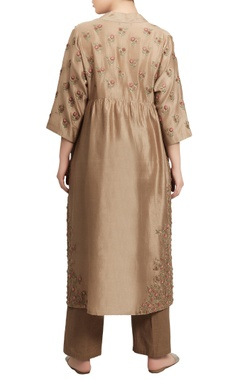 Jaal embroidered kurta with pants