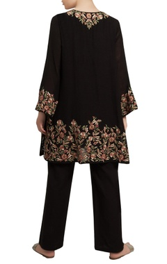 Embroidered short kurta with flared pants