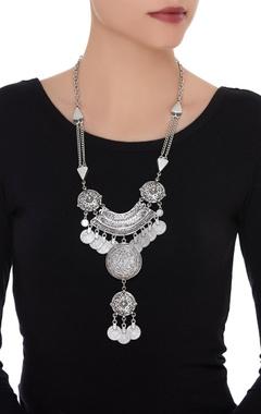 Double drop pendant necklace