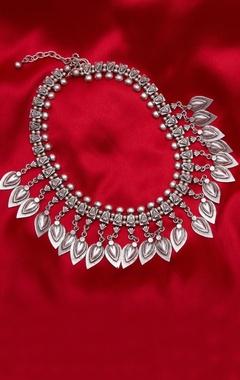 Spike drop necklace