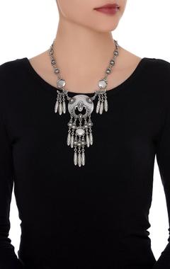 Classic drop necklace