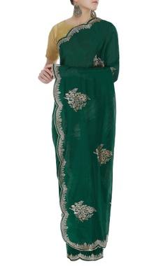 Handwoven sari with scallop border