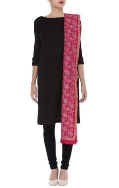 Thread embroidered kota dupatta