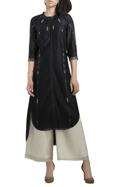 AM:PM High low embroidered kurta set