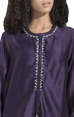 Embroidered tunic with inner