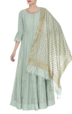 Matsya Gota embroidered kurta with banarasi dupatta