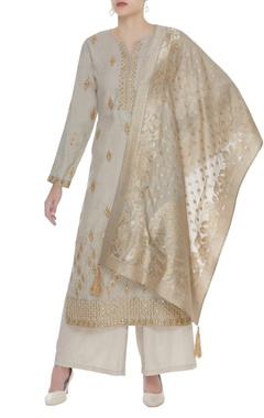 Matsya Gota embroidered long kurta set
