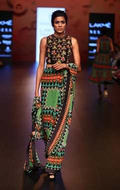 Urvashi Joneja Pre pleated printed sari