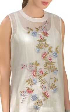 Handwoven floral embroidered tunic with inner