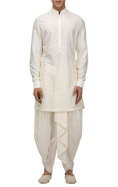 Tarun Tahiliani - Men Matka silk kurta with dhoti