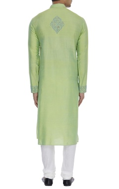 Textured threadwrok embroidered kurta set