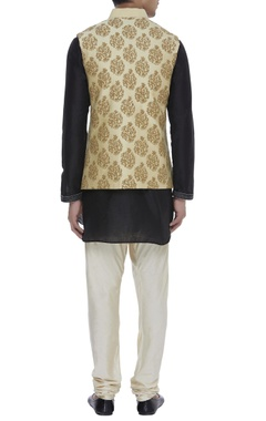 Buti embroidered nehru jacket