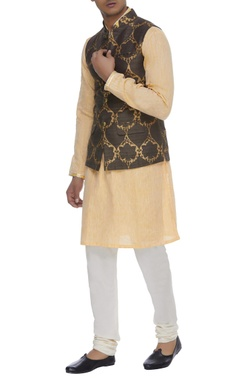 Textured raw silk bundi jacket