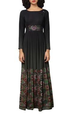 Reynu Taandon Printed maxi dress with belt