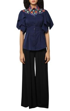 Reynu Taandon Embroidered neck linen shirt