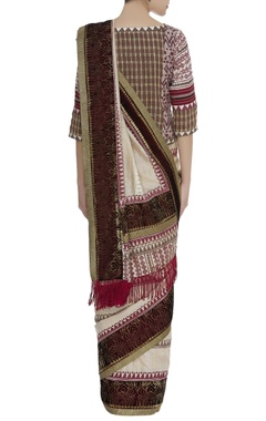 Printed sari with checkered blouse & belt