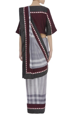 Checkered temple border Printed sari with flared sleeves blouse