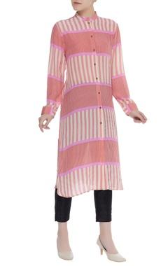 Red and white striped kurta