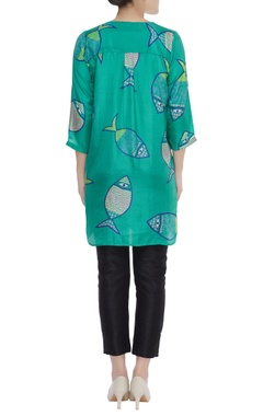 Fish print tunic with button placket